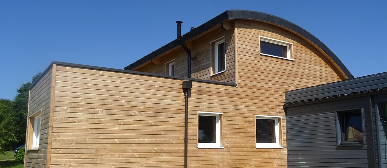 maison toit bac acier stunning mur en ossature bois with maison toit bac acier elegant maison. Black Bedroom Furniture Sets. Home Design Ideas